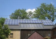 Fotovoltaikanlage Aufdachmontage Typ ZRE 9,7kW und Solaranlage Aufdachmontage Winkler Großflächenkollektor 24m²