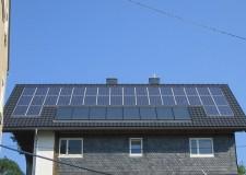 Fotovoltaikanlage Indachmontage Typ ZRE 6,3kW und Solaranlage Indachmontage Winkler Großflächenkollektor 16m²