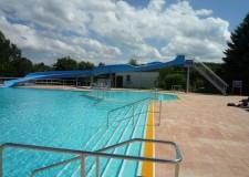 Stahlunterkonstruktion sowie Treppe für die Rutsche im Schwimmbad Gornau